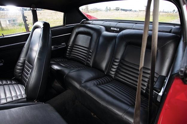 valiant-charger-interior-rear.jpg