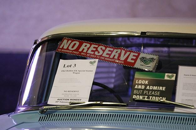 auction-no-reserve-sticker-2.jpg