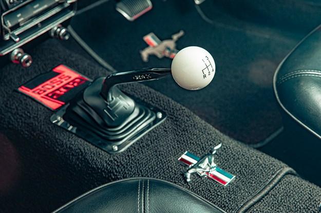 ford-mustang-gearstick.jpg