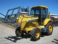 NEW HOLLAND 655E LOADER