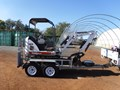 2010 BOBCAT 324 EXCAVATOR WITH DUAL AXLE PLANT TRAILER