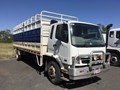 2009 FUSO FM600 25 ft tray and crate.