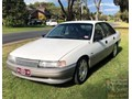 1990 HOLDEN COMMODORE Calais 5.0L