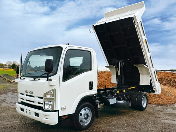 Isuzu NPR 350 review
