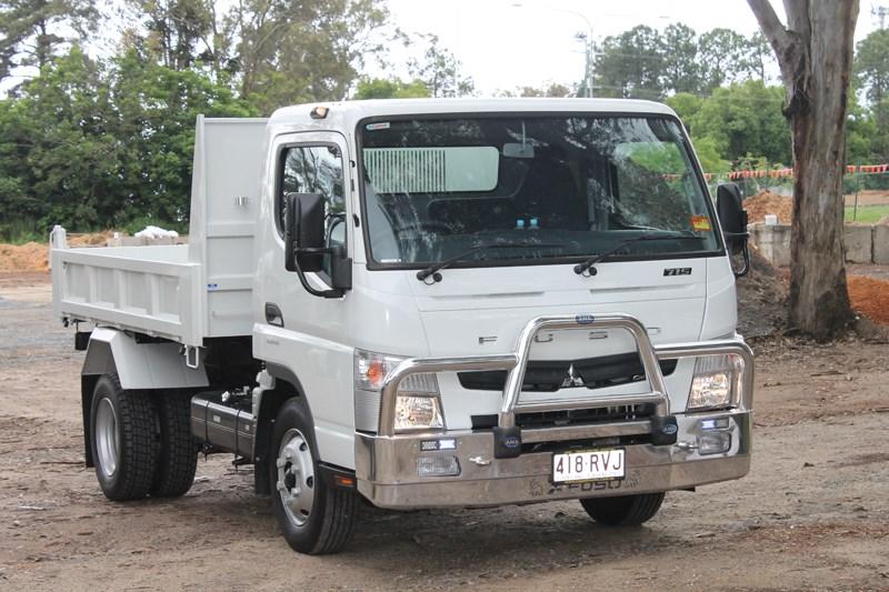 Mitsubishi Fuso Canter 715 truck | Review