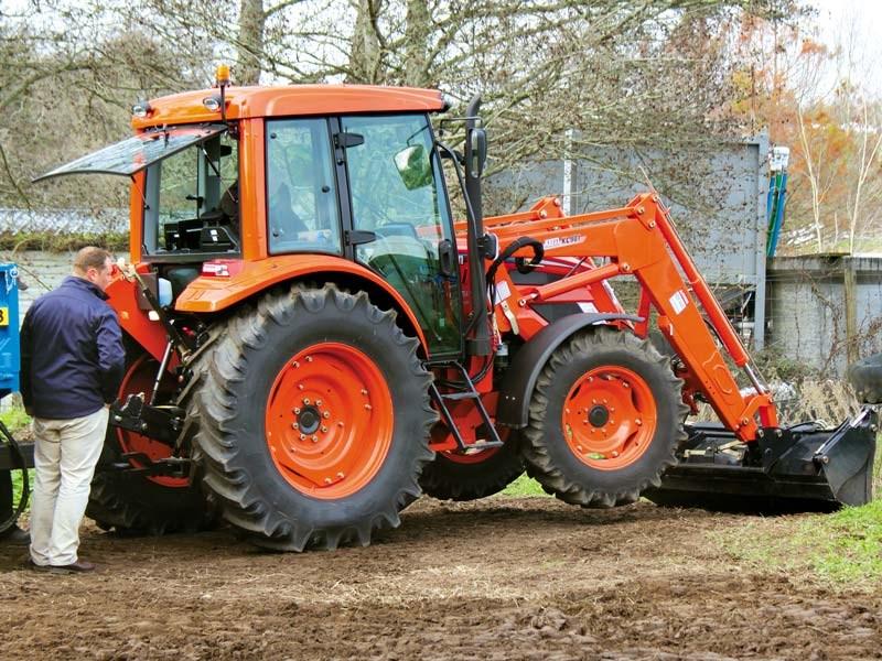 Top tractor 2016: Kioti PX1052