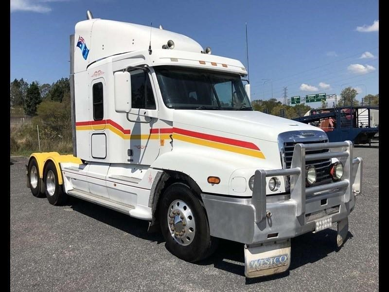 2004 FREIGHTLINER CENTURY CLASS CST120 for sale