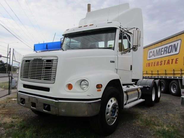 1999 FREIGHTLINER FL112 sellect cummings for sale
