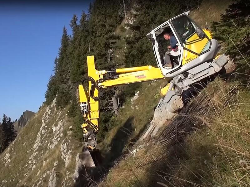 video menzi muck excavator on a crazy slope. Black Bedroom Furniture Sets. Home Design Ideas