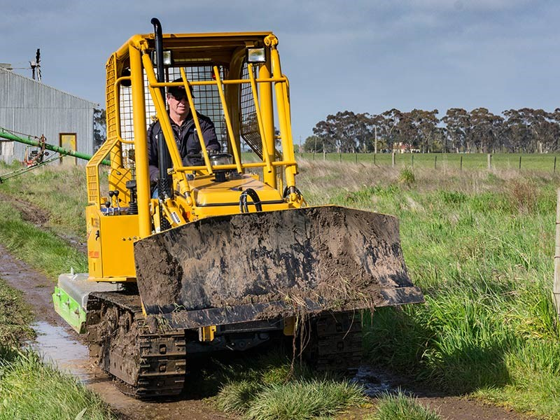 East Wind YCT356S-S compact dozer video review
