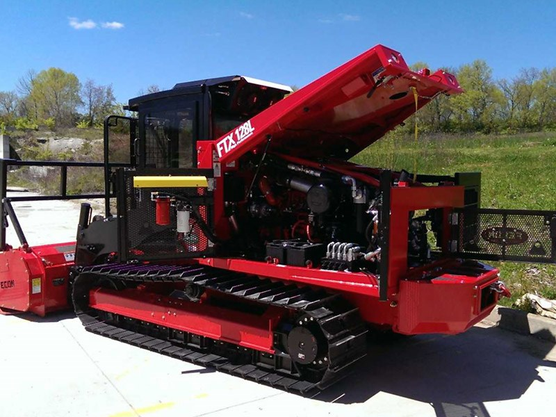 Fecon FTX128 mulching tractor   Product news