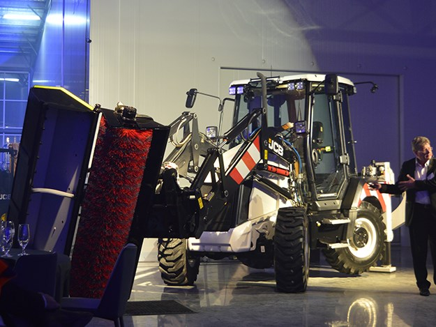 JCB 3CX Road Master backhoe launched