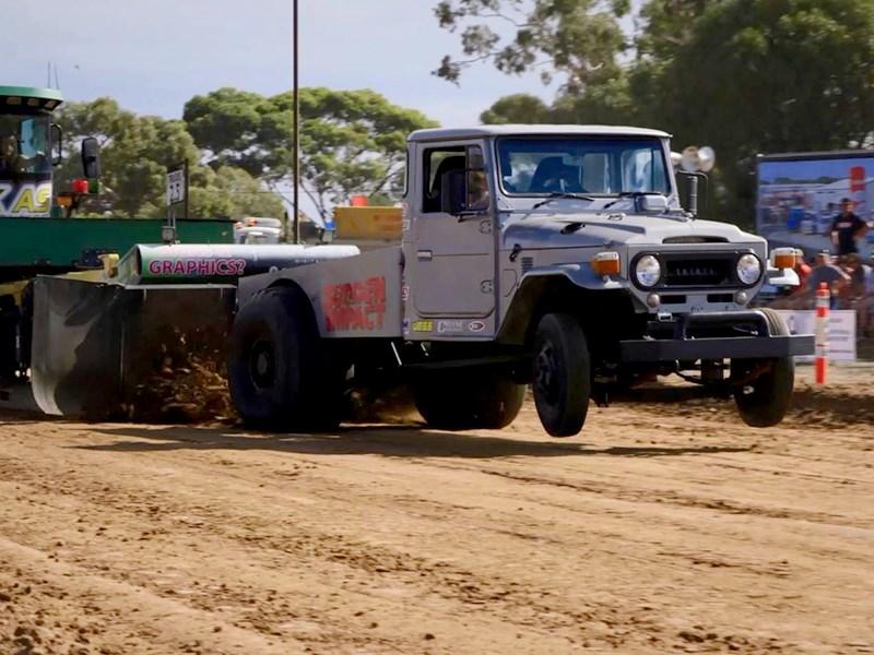 Video: Greg's awesome LandCruiser pull truck