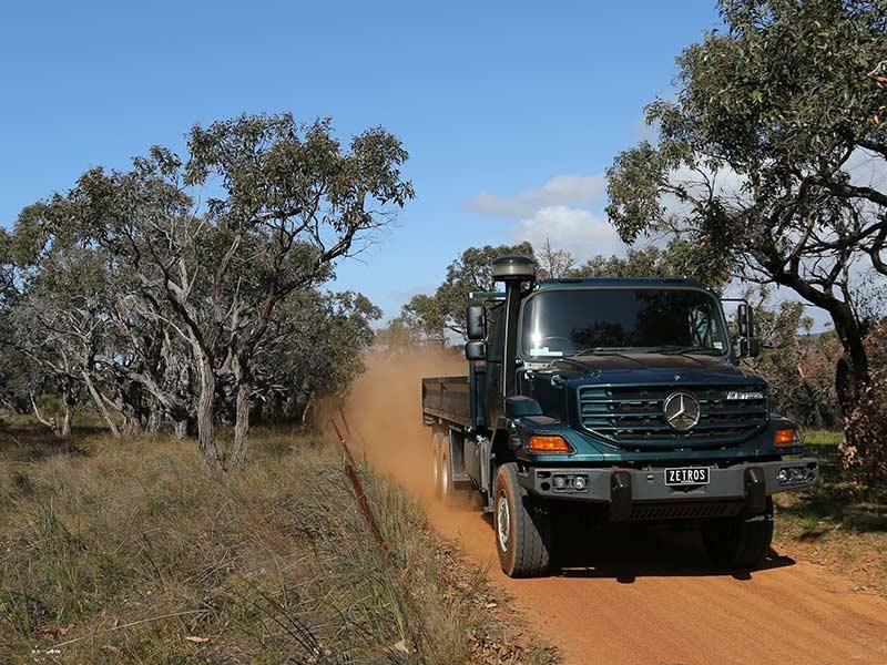 Mercedes-Benz Zetros 4x4 and 6x6 truck | Review