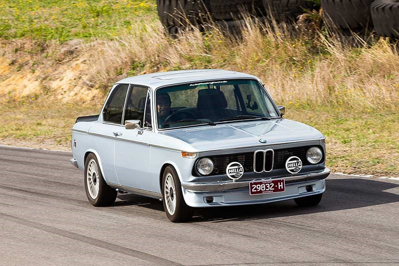 bmw 2002 tii 2 door review. Black Bedroom Furniture Sets. Home Design Ideas