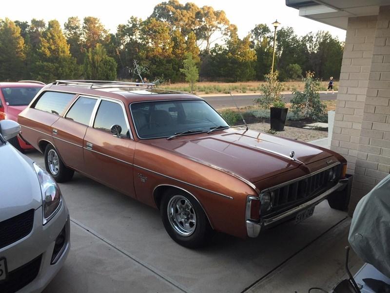 Chrysler Valiant VK wagon 1975 - today's tempter