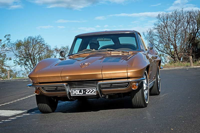 1963 Chevrolet Corvette C2 Sting Ray - Past Blast