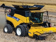 New Holland CR 9.90 Combine Harvester