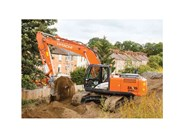 Hitachi Construction Machinery ZX200LC-5 excavator review