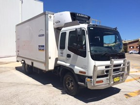 isuzu frr500 medium 565410
