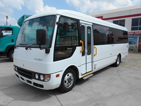 mitsubishi fuso rosa bus auto/ 21 seat rosa bus with wheelchair access 580616