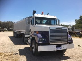 freightliner other 774769