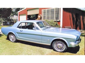 ford mustang 825972