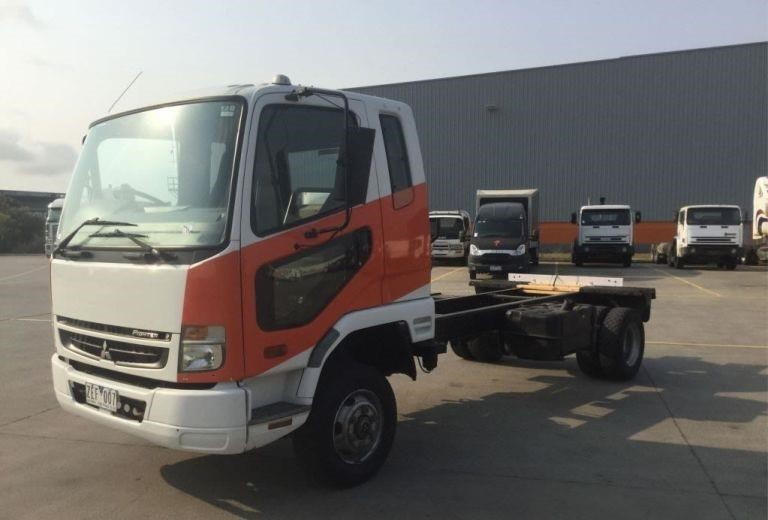 2009 FUSO FIGHTER