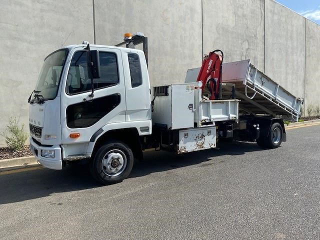 2011 FUSO FIGHTER