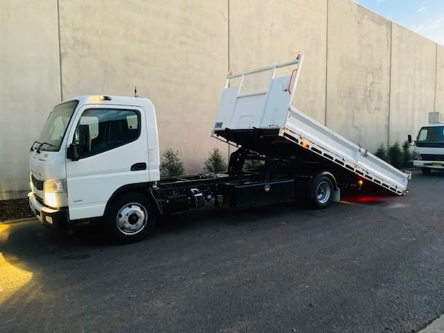2011 FUSO CANTER 918