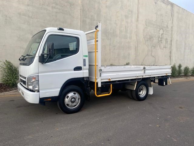 2009 FUSO CANTER 515