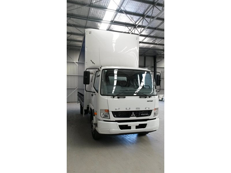 fuso fighter 1424 231636 002