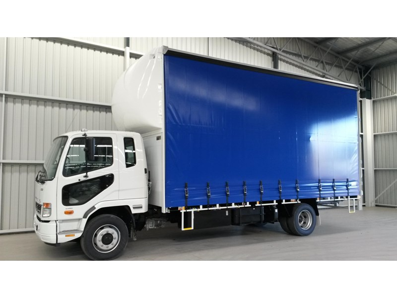 fuso fighter 1424 231636 001
