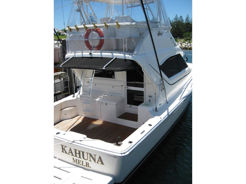 riviera 3850 flybridge cruiser 232429 011