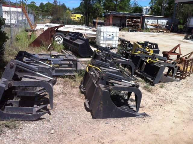 unknown skidsteer rake - rock/timber 235545 002