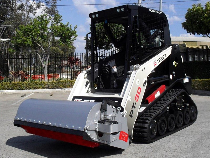 rhino heavy duty sweeper. 1300mm enclosed bucket broom suit pt30 asv track loaders [attbroom] 236365 002