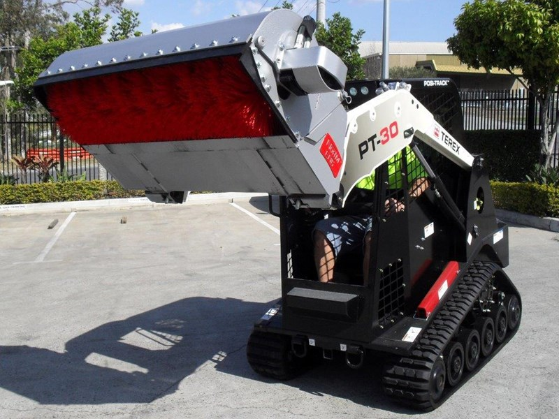 rhino heavy duty sweeper. 1300mm enclosed bucket broom suit pt30 asv track loaders [attbroom] 236365 004