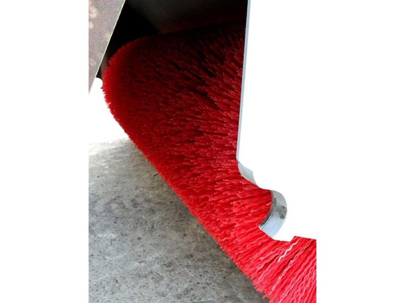 rhino heavy duty bucket broom. 1300mm open mouth sweeper. suit dingo/kanga mini loaders [attbroom] 236355 004