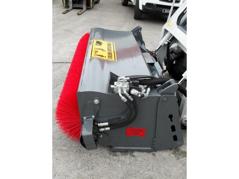 rhino heavy duty sweeper. 1800mm open mouth 4 in 1 bucket broom suit caterpillar skid steer cat loaders 236540 002