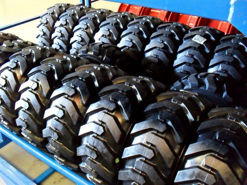 rhino spare tyre assemble - 8.5-12 fit bobcat model s70 skid steer loaders [atttyre] [work ready]   [ 6 ply tubeless ] 237126 010