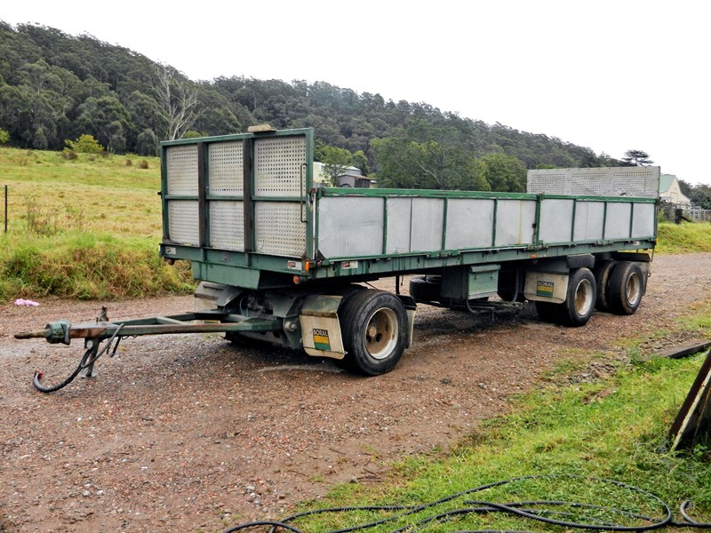 smiths and sons tri axle 8254 001