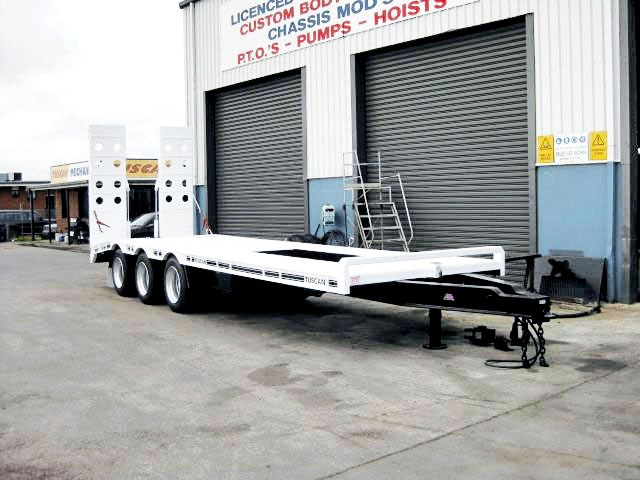 custom built tuscan 3 axle 14014 001