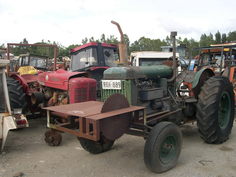 various tractors to dismantle 14976 001