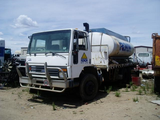 ford cargo 39073 001