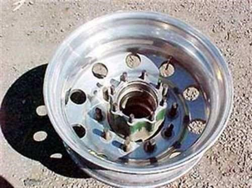 various aluminium  hubs, drums, nuts and rims 18255 001