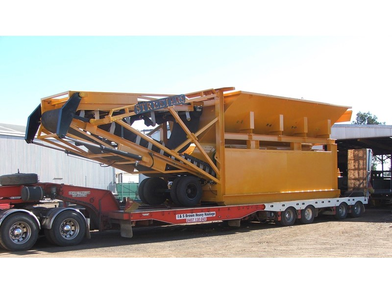 thomas 35 cubic metre feed hopper 12448 001