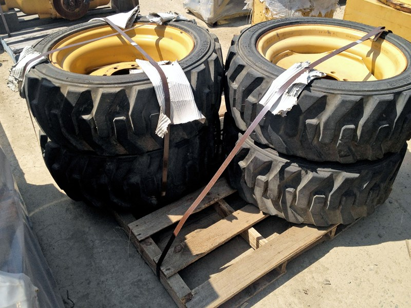 caterpillar skid steer 48290 002