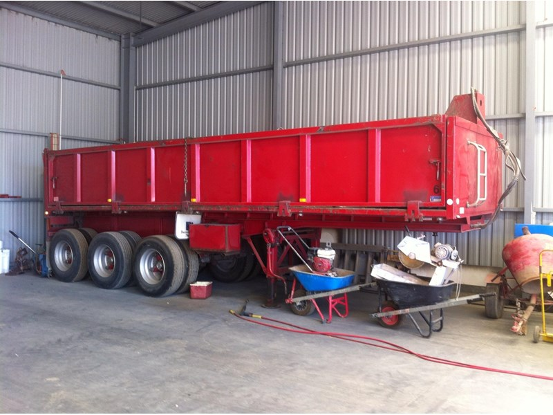 barry stoodley semi tipper 64026 001