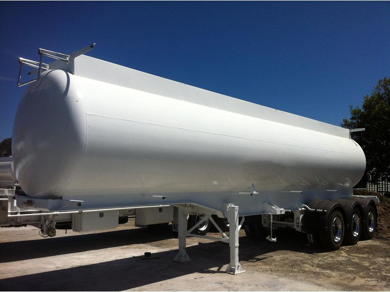 ultimate trailers vacuum tanker 26000ltr 76899 001