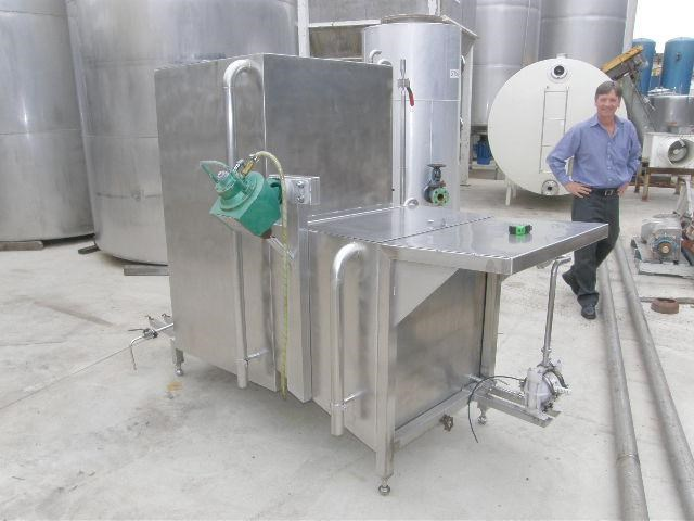 stainless steel mixing tank 1,350lt 80089 002